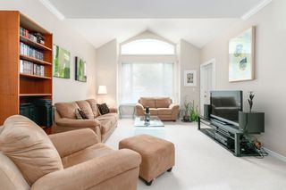 "Photo 8: 405 3280 PLATEAU Boulevard in Coquitlam: Westwood Plateau Condo for sale in ""CAMELBACK"" : MLS®# R2367724"