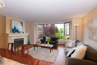 Photo 2: 302 2108 W 38TH Avenue in Vancouver: Kerrisdale Condo for sale (Vancouver West)  : MLS®# R2368154