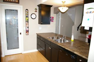 Photo 4: 26 8881 WALTERS Street in Chilliwack: Chilliwack E Young-Yale Townhouse for sale : MLS®# R2370965