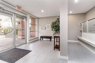 """Photo 15: 307 3260 ST JOHNS Street in Port Moody: Port Moody Centre Condo for sale in """"The Square"""" : MLS®# R2375870"""