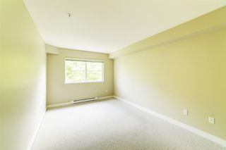 """Photo 7: 307 3260 ST JOHNS Street in Port Moody: Port Moody Centre Condo for sale in """"The Square"""" : MLS®# R2375870"""