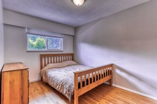 """Photo 12: 15084 RAVEN Place in Surrey: Bolivar Heights House for sale in """"birdland"""" (North Surrey)  : MLS®# R2380591"""