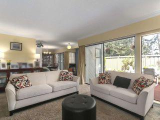 "Photo 5: 46 9460 GLENALLAN Drive in Richmond: Saunders Townhouse for sale in ""SHARON GARDENS"" : MLS®# R2381806"