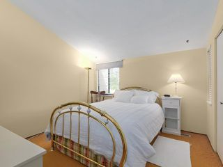 "Photo 11: 46 9460 GLENALLAN Drive in Richmond: Saunders Townhouse for sale in ""SHARON GARDENS"" : MLS®# R2381806"
