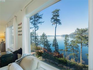Photo 2: 9915 Conery Crescent in PENDER ISLAND: GI Pender Island Single Family Detached for sale (Gulf Islands)  : MLS®# 412802