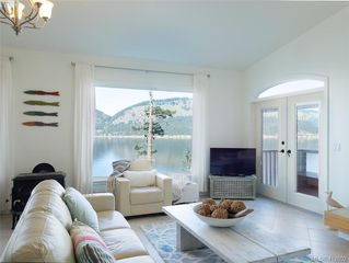 Photo 3: 9915 Conery Crescent in PENDER ISLAND: GI Pender Island Single Family Detached for sale (Gulf Islands)  : MLS®# 412802