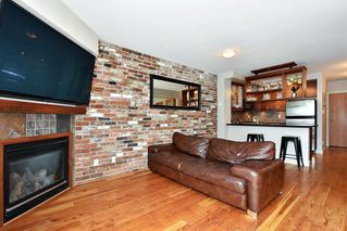 "Photo 3: 106 2515 ONTARIO Street in Vancouver: Mount Pleasant VW Condo for sale in ""ELEMENTS"" (Vancouver West)  : MLS®# R2385133"