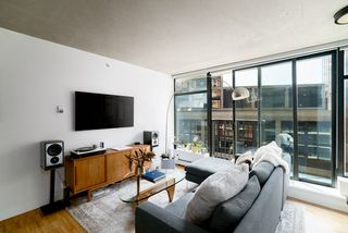 """Photo 14: 908 128 W CORDOVA Street in Vancouver: Downtown VW Condo for sale in """"Woodwards - W43"""" (Vancouver West)  : MLS®# R2396406"""