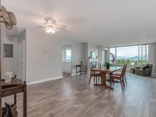 "Photo 2: 712 12148 224 Street in Maple Ridge: East Central Condo for sale in ""Panorama"" : MLS®# R2402164"
