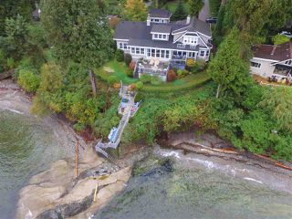Photo 1: 3435 BEACH Avenue: Roberts Creek House for sale (Sunshine Coast)  : MLS®# R2414197