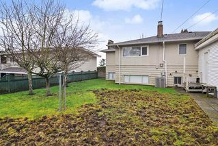 Photo 17: 15503 PACIFIC Avenue: White Rock House for sale (South Surrey White Rock)  : MLS®# R2440473