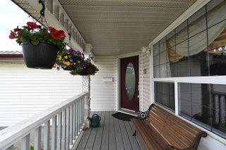 Photo 2: 3315 40B Avenue in Edmonton: Zone 30 House for sale : MLS®# E4198166
