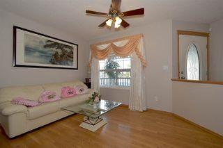 Photo 3: 3315 40B Avenue in Edmonton: Zone 30 House for sale : MLS®# E4198166