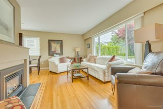 Photo 4: 952 EDGAR Avenue in Coquitlam: Maillardville House for sale : MLS®# R2469119