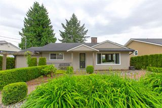 Photo 2: 952 EDGAR Avenue in Coquitlam: Maillardville House for sale : MLS®# R2469119
