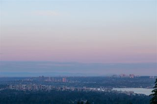 Photo 3: 561 ST. ANDREWS Road in West Vancouver: Glenmore House for sale : MLS®# R2479793