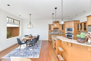 Photo 14: 1801 Hollywood Cres in : Vi Fairfield East Half Duplex for sale (Victoria)  : MLS®# 856497