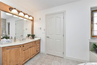 Photo 29: 1801 Hollywood Cres in : Vi Fairfield East Half Duplex for sale (Victoria)  : MLS®# 856497