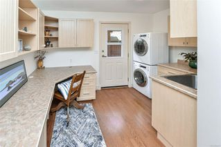 Photo 35: 1801 Hollywood Cres in : Vi Fairfield East Half Duplex for sale (Victoria)  : MLS®# 856497