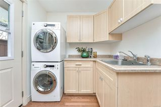 Photo 24: 1801 Hollywood Cres in : Vi Fairfield East Half Duplex for sale (Victoria)  : MLS®# 856497