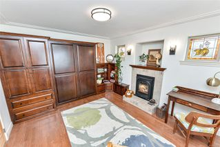 Photo 22: 1801 Hollywood Cres in : Vi Fairfield East Half Duplex for sale (Victoria)  : MLS®# 856497