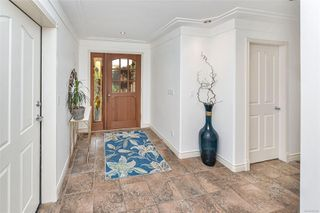 Photo 6: 1801 Hollywood Cres in : Vi Fairfield East Half Duplex for sale (Victoria)  : MLS®# 856497