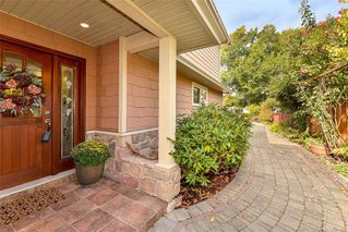 Photo 5: 1801 Hollywood Cres in : Vi Fairfield East Half Duplex for sale (Victoria)  : MLS®# 856497