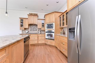 Photo 10: 1801 Hollywood Cres in : Vi Fairfield East Half Duplex for sale (Victoria)  : MLS®# 856497
