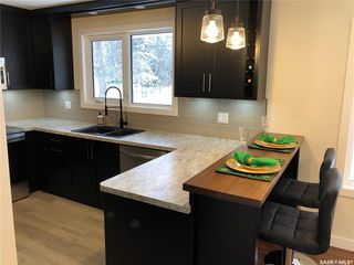 Photo 3: 715 Preston Avenue South in Saskatoon: Greystone Heights Residential for sale : MLS®# SK833881