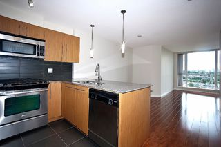 "Photo 4: 1001 4888 BRENTWOOD Drive in Burnaby: Brentwood Park Condo for sale in ""FITZGERALD"" (Burnaby North)  : MLS®# V896919"