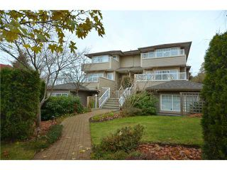 Photo 1: 416 W KEITH Road in North Vancouver: Central Lonsdale House 1/2 Duplex for sale : MLS®# V921744