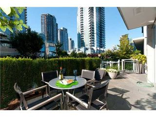 "Photo 9: 1510 HOMER ME in Vancouver: Yaletown Townhouse for sale in ""THE ERICKSON"" (Vancouver West)  : MLS®# V977494"