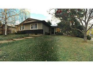 Photo 1: 12 LAKE LINNET Close SE in Calgary: Lake Bonavista Residential Detached Single Family for sale : MLS®# C3641597