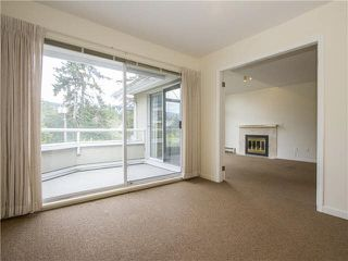 "Photo 3: 21 2130 MARINE Drive in West Vancouver: Dundarave Condo for sale in ""Lincoln Gardens"" : MLS®# V1115405"