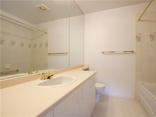 "Photo 17: 21 2130 MARINE Drive in West Vancouver: Dundarave Condo for sale in ""Lincoln Gardens"" : MLS®# V1115405"