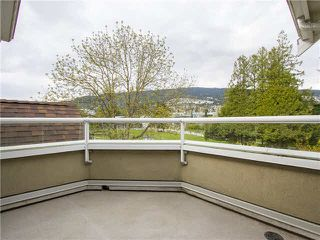 "Photo 4: 21 2130 MARINE Drive in West Vancouver: Dundarave Condo for sale in ""Lincoln Gardens"" : MLS®# V1115405"