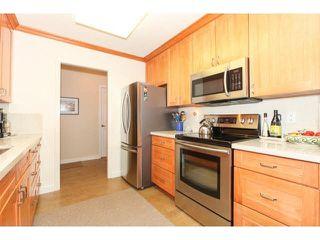 "Photo 12: 201 1140 55TH Street in Tsawwassen: Tsawwassen Central Condo for sale in ""TSAWWASSEN GREEN"" : MLS®# V1118885"