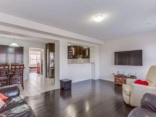 Photo 3: 82 Memory Lane in Brampton: Northwest Brampton House (3-Storey) for sale : MLS®# W3320837