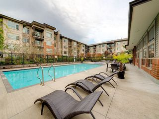 "Photo 13: 102 9199 TOMICKI Avenue in Richmond: West Cambie Condo for sale in ""MERIDIAN GATE"" : MLS®# R2006928"