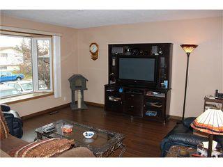 Photo 4: 75 WHITMAN Crescent NE in Calgary: Whitehorn House for sale : MLS®# C4038203
