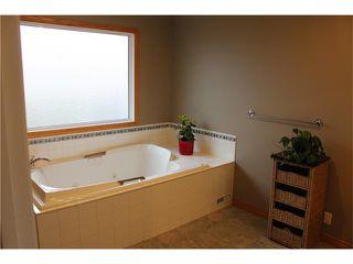 Photo 7: 75 WHITMAN Crescent NE in Calgary: Whitehorn House for sale : MLS®# C4038203