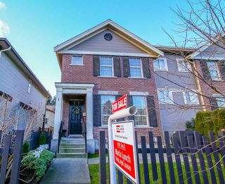 "Photo 1: 1 6885 208A Street in Langley: Willoughby Heights Townhouse for sale in ""Milner Heights"" : MLS®# R2019684"