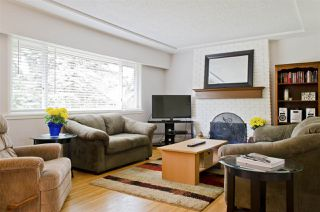 Photo 5: 1050 COMO LAKE Avenue in Coquitlam: Central Coquitlam House for sale : MLS®# R2080496