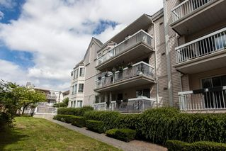 "Photo 3: 114 9299 121 Street in Surrey: Queen Mary Park Surrey Condo for sale in ""HUNTINGTON GATE"" : MLS®# R2087405"