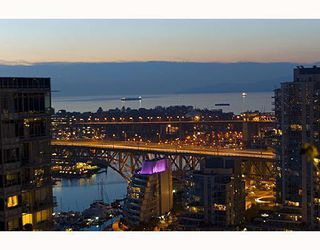 """Photo 3: 2706 1483 HOMER Street in Vancouver: Yaletown Condo for sale in """"WATERFORD"""" (Vancouver West)  : MLS®# R2101663"""