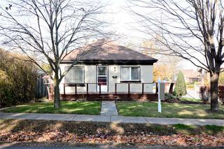 Photo 1: 300 W Chestnut Street in Whitby: Downtown Whitby House (Bungalow) for sale : MLS®# E3659418
