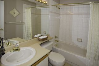 """Photo 16: 14 6100 WOODWARDS Road in Richmond: Woodwards Townhouse for sale in """"STRATFORD GREEN"""" : MLS®# R2131068"""