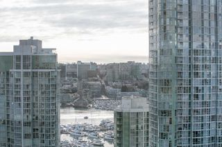 "Photo 6: 2509 1008 CAMBIE Street in Vancouver: Yaletown Condo for sale in ""Marina Pointe"" (Vancouver West)  : MLS®# R2144316"
