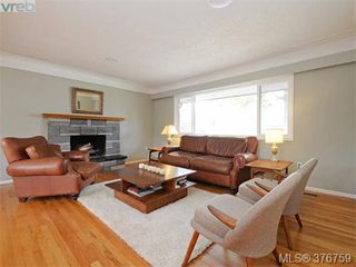 Photo 2: 4419 Chartwell Dr in VICTORIA: SE Gordon Head Single Family Detached for sale (Saanich East)  : MLS®# 756403