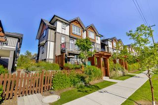 Photo 3: 14 6378 142 Street in Surrey: Sullivan Station Townhouse for sale : MLS®# R2160021